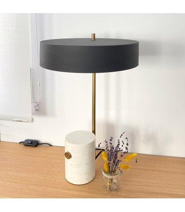 Lámpara de sobremesa de metal negro con pie de mármol MORI
