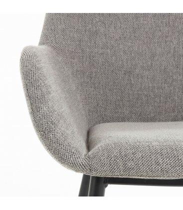 Pack de 2 sillas tapizadas con reposabrazos de color gris claro y patas negras NOOKI