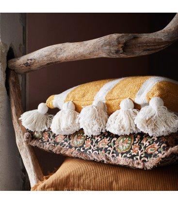 Funda de cojín de algodón mostaza con rayas blancas y borlas JUICE 40x60cm