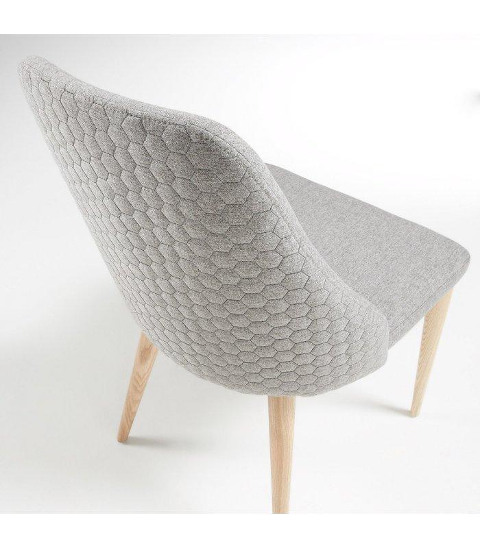 Silla de comedor gris claro con patas de madera hexagon for Comedor hexagonal