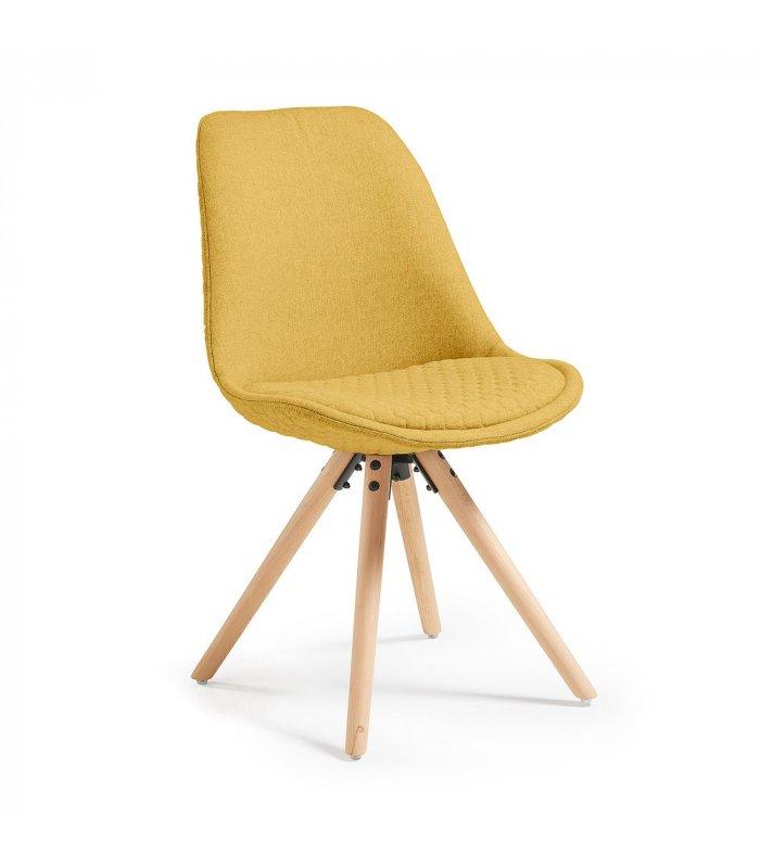 Silla de comedor mostaza acolchada con patas de madera for Comedor de madera 4 sillas