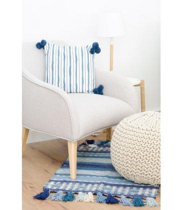 Sillón tapizado en color beige con patas de madera HALL