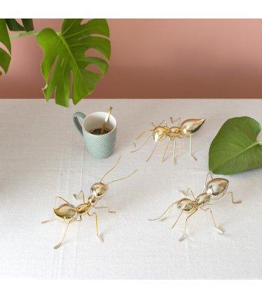 Figura decorativa hormiga dorada ANTZ (3 modelos)