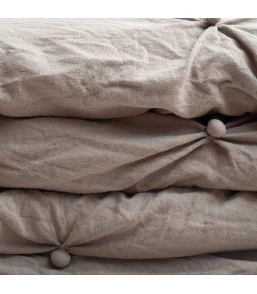 Colcha con relleno gris con botoncitos NUTE 240x260cm