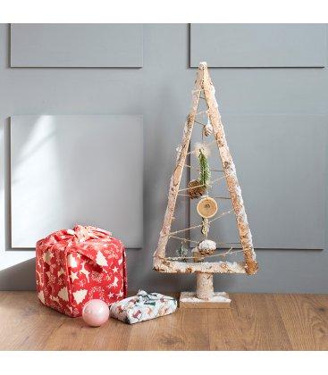 Árbol de Navidad plano de 70cm alto de troncos y cuerdas con adornos