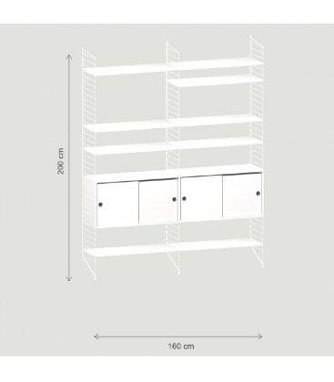 Estantería STRING de 2 módulos con 2 cabinets en blanco y paneles blancos.