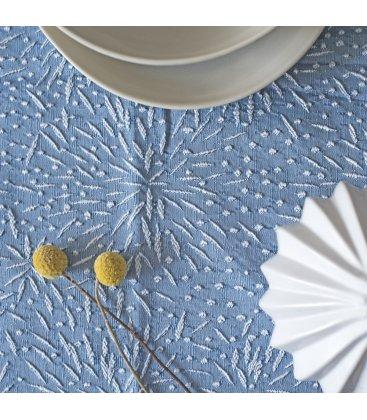 Camino de mesa azul con bordado blanco FIREWORKS 50x150cm