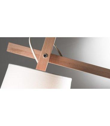 Lámpara KIVO. Pie de metal blanco, brazo de madera y tulipa de tela blanca.