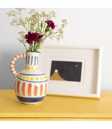 Jarrón cerámico esmaltado blanco, azul, amarillo y naranja con 1 asa MARRAKECH