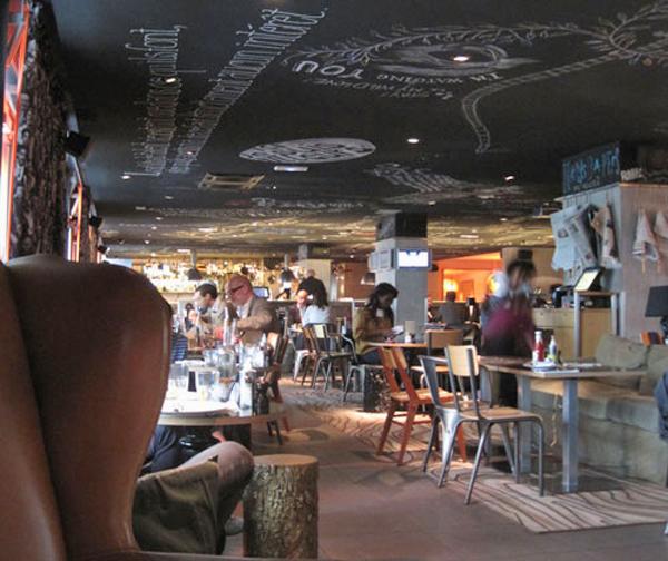 Interiorismo y decoraci n en bares y restaurantes paredes - Ideas para decorar un bar de tapas ...