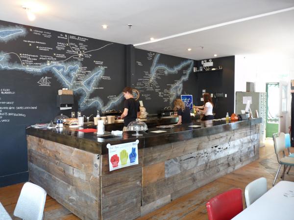 Interiorismo y decoraci n en bares y restaurantes paredes - Decoracion de bares y restaurantes ...