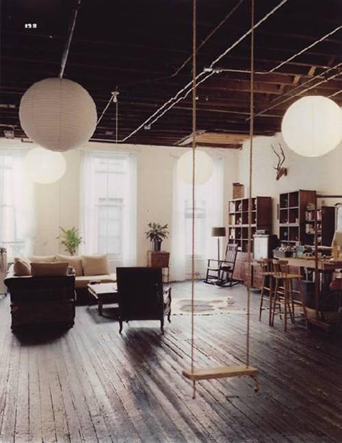 Hamacas en el interior de la vivienda R de Room Interiorismo y