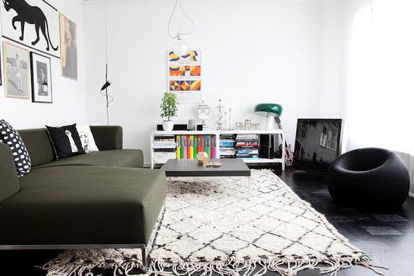 Mueble del d a alfombras con estampados tnicos rombos y rayas r de room interiorismo y - Alfombras nordicas ...