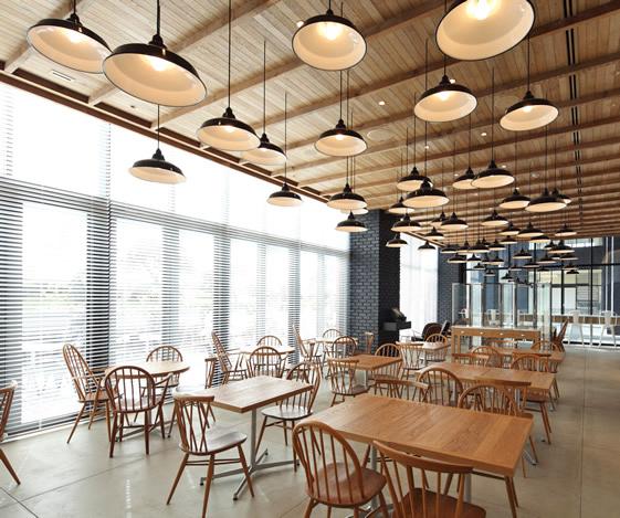 Ejemplo de interiorismo en bares y restaurantes soho en for Interiorismo restaurantes