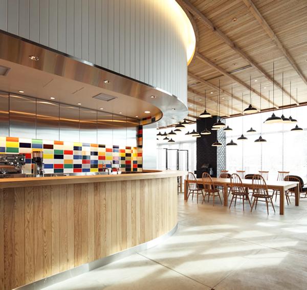Ejemplo de interiorismo en bares y restaurantes soho en for Disenos de bares rusticos