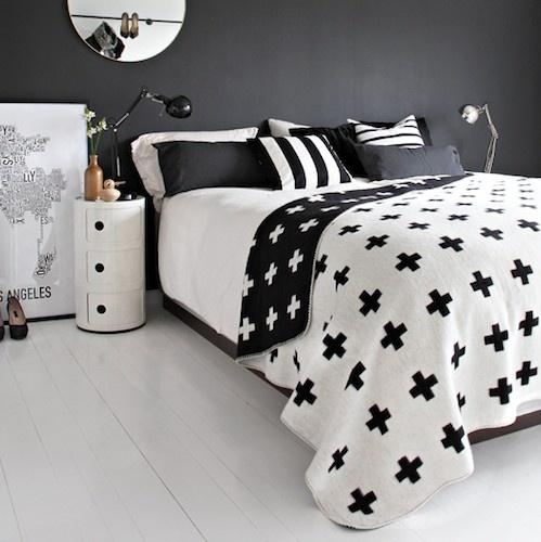REFORMAS DE DISEÑO_cross blancket pia wallen_foto vía decoración facilisimo