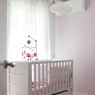 La iluminación y pinturas se planean de acuerdo al mobiliario, en este caso, elegido por la propietaria.