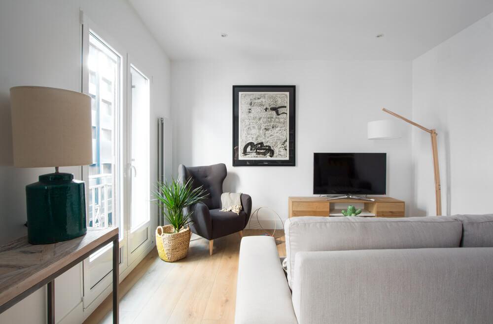 Salón con cocina integrada. Open concept de lujo en el barrio de ...