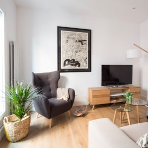 """Proyectos R de Room: salón y cocina integrada en una vivienda """"open concept"""" en Malasaña."""