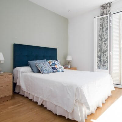 Proyecto de interiorismo en Luchana (Madrid) por R de Room. Diseño de dormitorio principal.