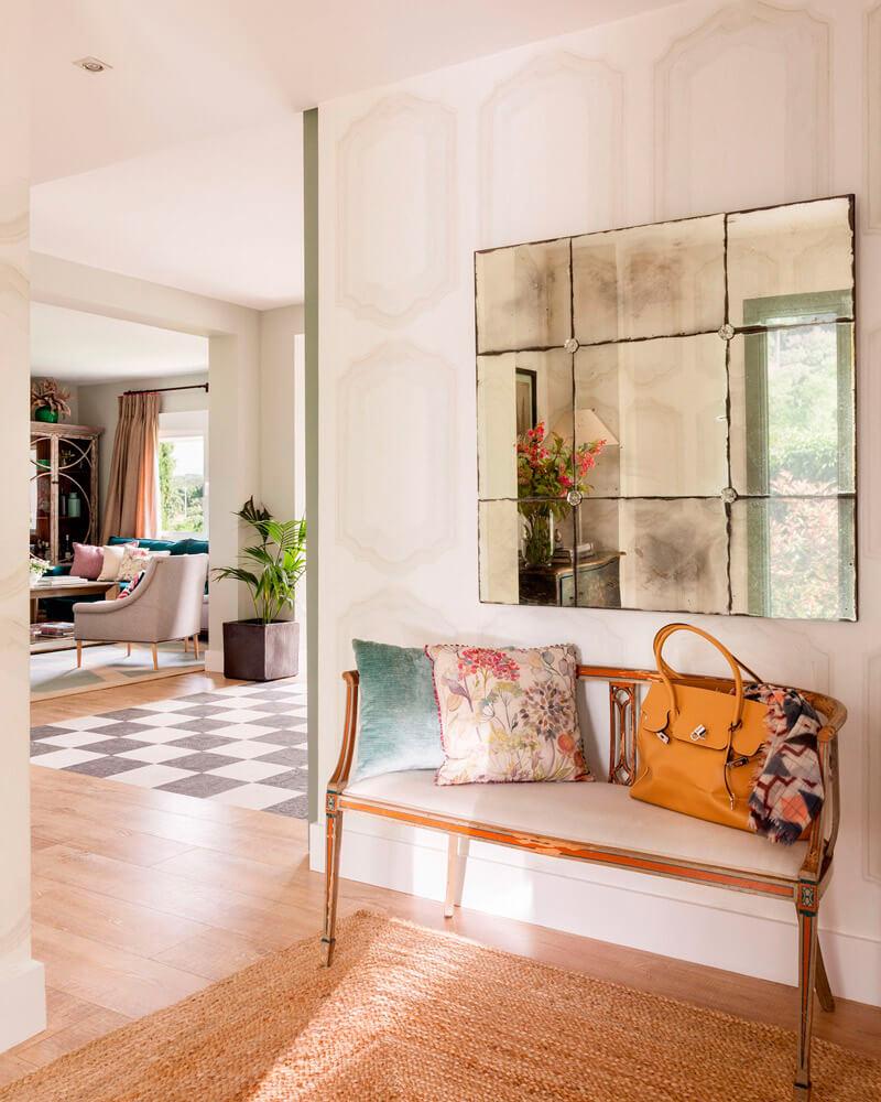 Decorar paredes sin cuadros - espejo envejecido