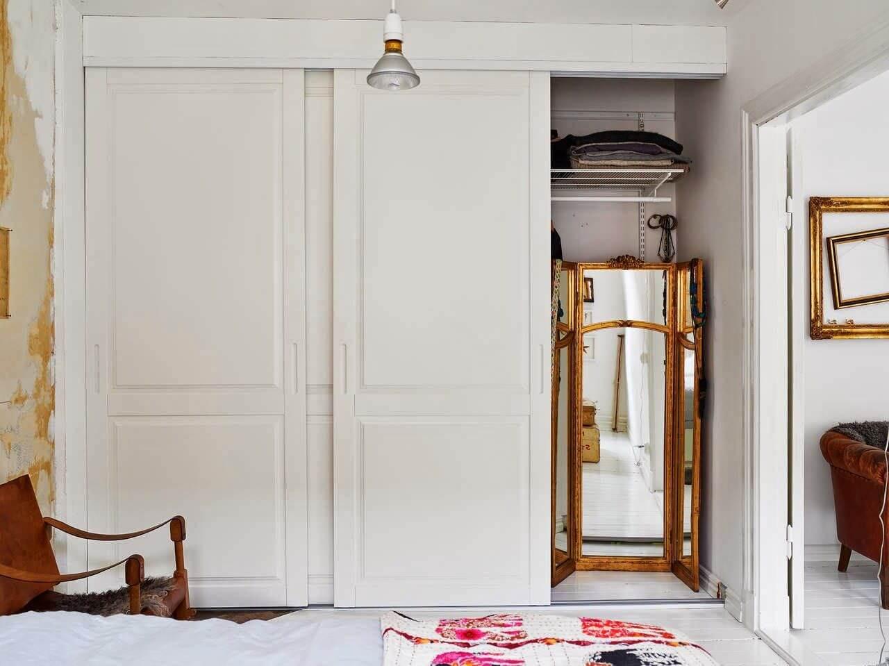 Qué diría Marie Kondo si fuese tu interiorista. Los armarios son imprescindibles.