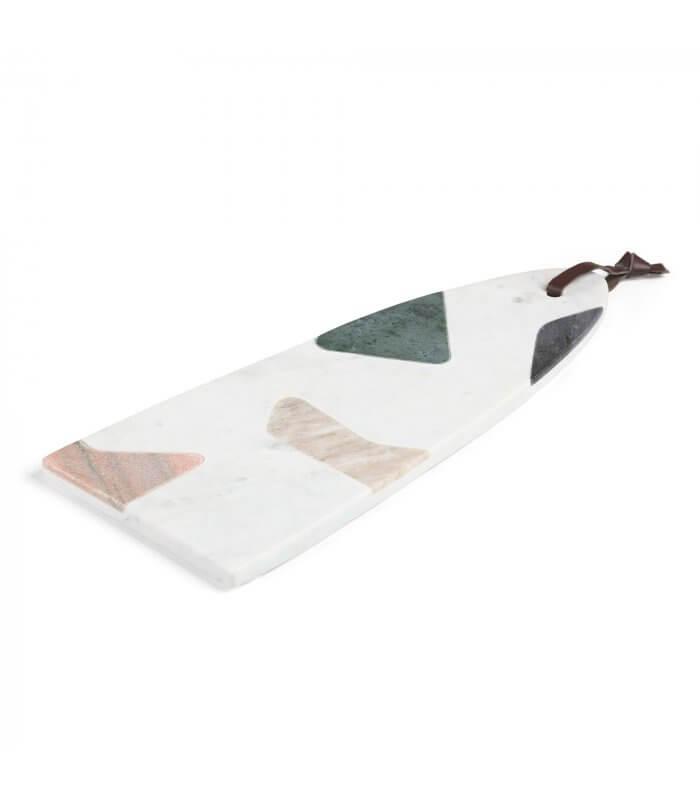 R DE ROOM tabla de cortar de mármol con efecto terrazo.