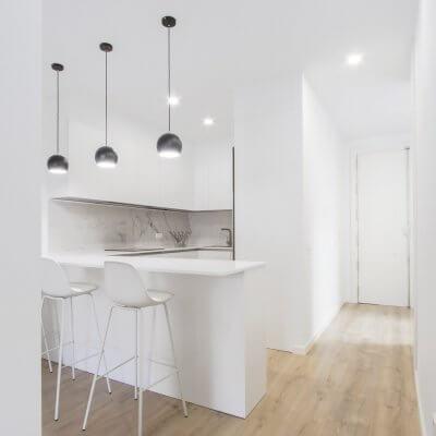 Proyecto de reforma en Chamberí (Madrid) de R de Room. Cocina abierta.