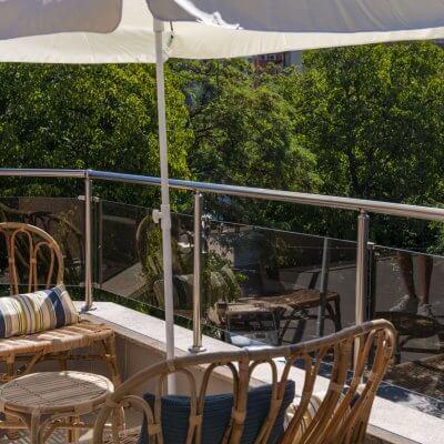 Cambio de imagen de un apartamento de alquiler_proyecto de interiorismo_terraza