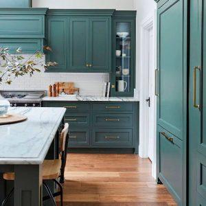 ¿Quieres una cocina de color? Estos son los tonos de los que no te cansarás.