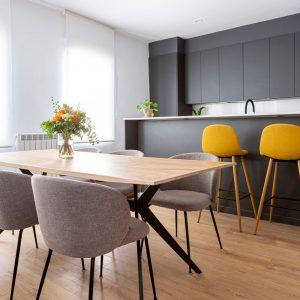 Reforma integral de una vivienda de más de 80 años con mucho potencial. Proyecto de R de Room.